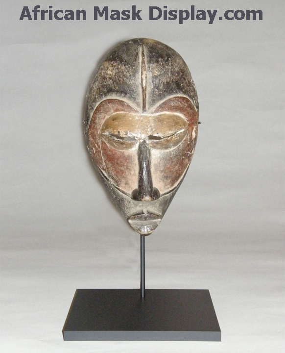African-mask-display-2